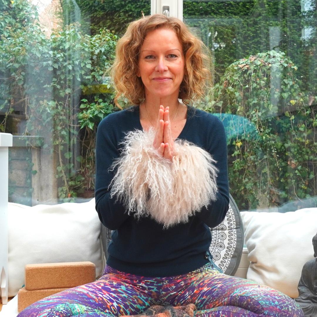 yoga-anywhere yoga online mit Anke